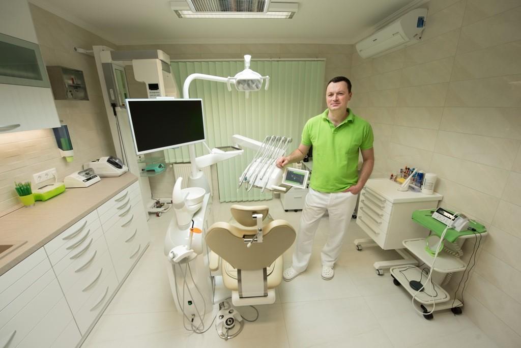 dr. jakab levente
